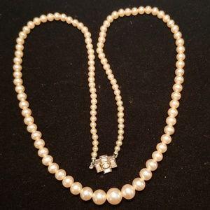 Vintage Mid Century Pearl Necklace Bride EUC